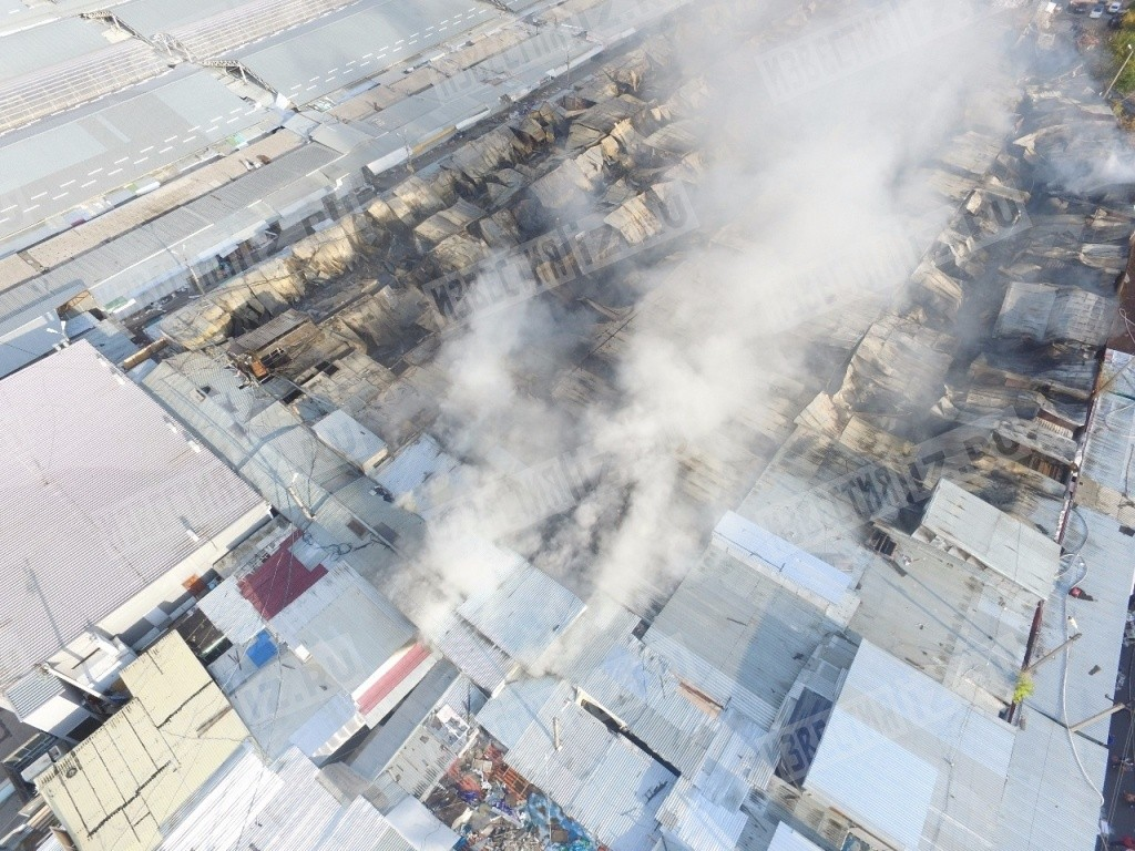 Видео опубликовано на сайте youtube, передает chitamedia.ru по информации российских сми, огонь повредил строения, среди которых жилые и нежилые постройки.