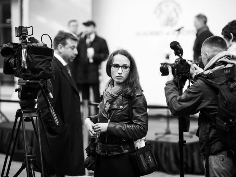 vo-vremya-semki-protsitirovala-devushka-pornozvezdi-porno-aktrisi