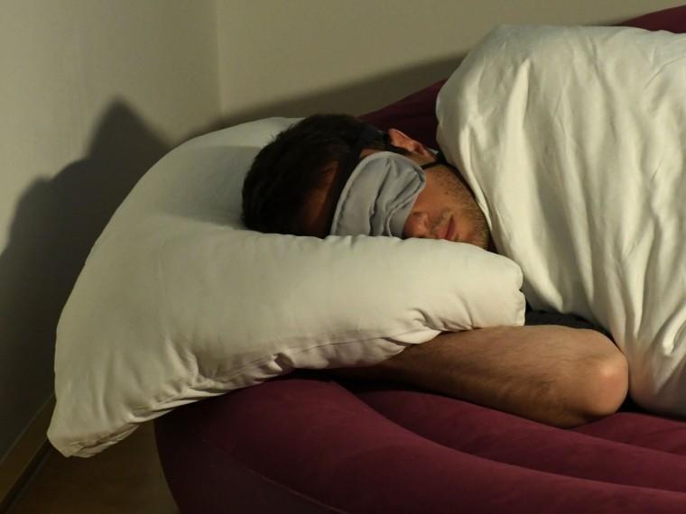 Сонник считает шкаф, который вам приснился во сне, благоприятным символом.