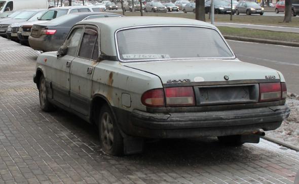 Номера лимузина Aurus Senat В.Путина ранее стояли наржавой «Волге»