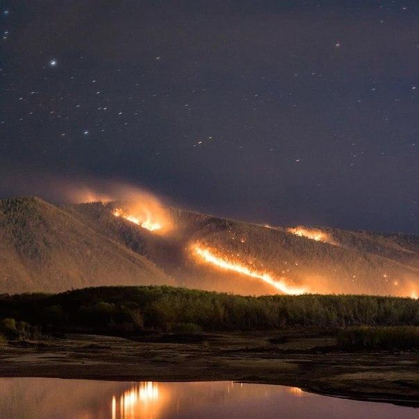 ВХабаровском крае поезд прошёл через лесной пожар