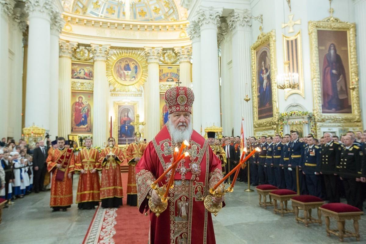 Патриарх Кирилл освятил отреставрированный Свято-Троицкий храм