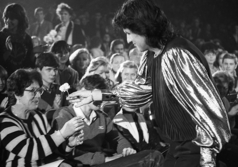 Исполнитель вечного хита «L'italiano» Тото Кутуньо празднует 75-летие