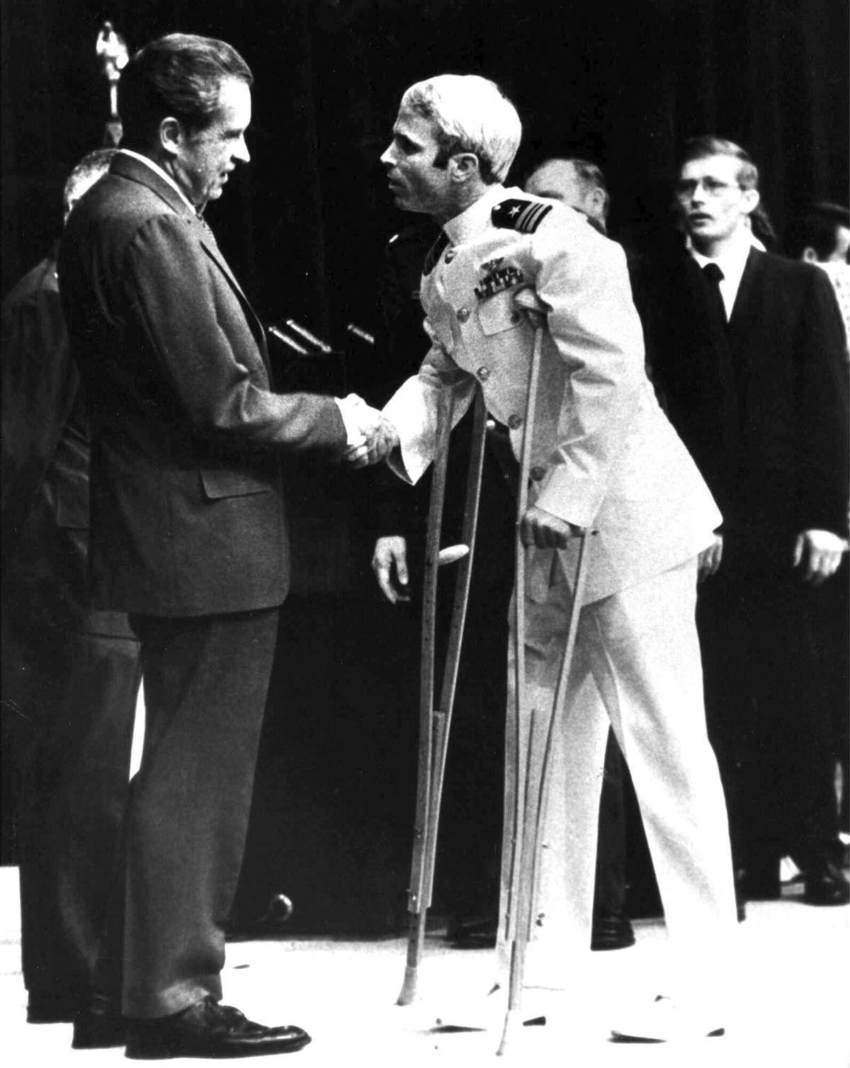 Джон Маккейн и Ричард Никсон
