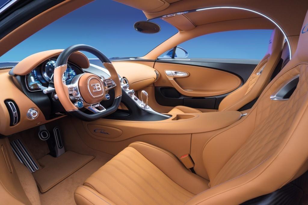 салон Bugatti Chiron