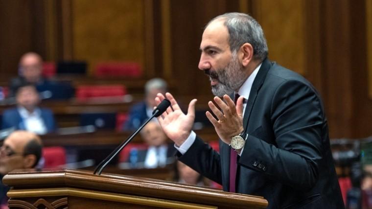 Парламент Армении отклонил кандидатуру Пашиняна напост премьера