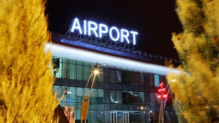 Заснеженный аэропорт Белгорода 12 часов неможет принять рейс изПетербурга