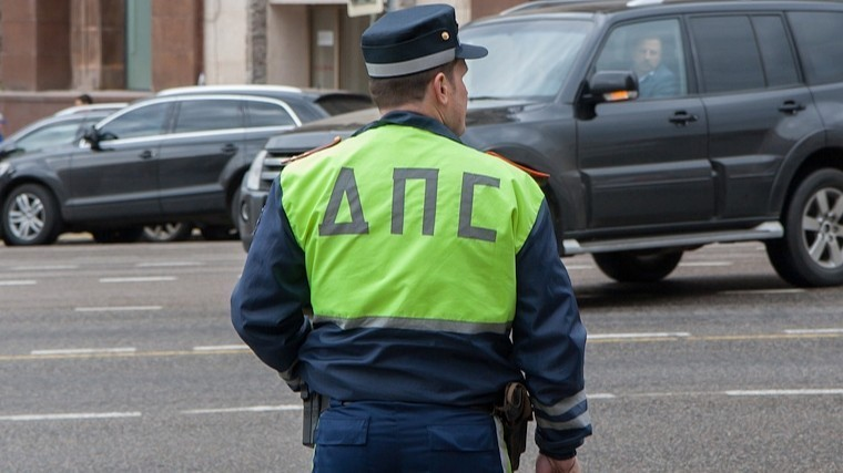Полиция Челябинска проверяет данные ошкольнице, сбившей сотрудников ДПС