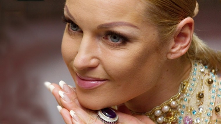 «Награни фола»: Волочкова показала слишком откровенные фото голой груди