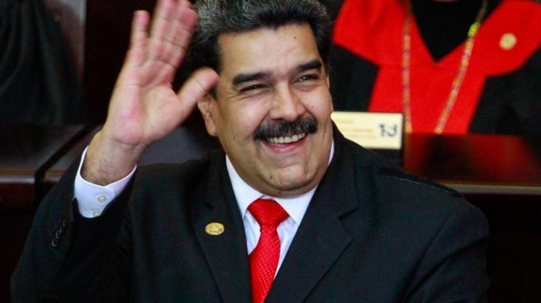 США отказались признать легитимность президента Мадуро, назвав его диктатором