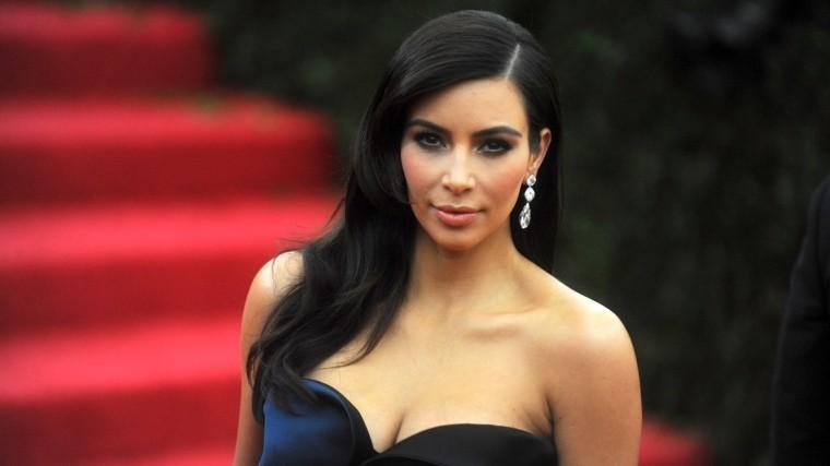 Ким Кардашьян похвасталась «бриллиантовой улыбкой» за150 тысяч долларов