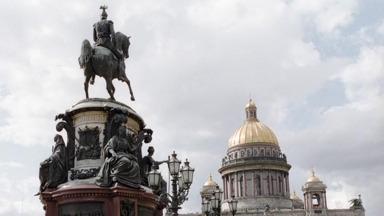 «Памятник тряпке»— Google Maps переименовал монумент наИсаакиевской площади