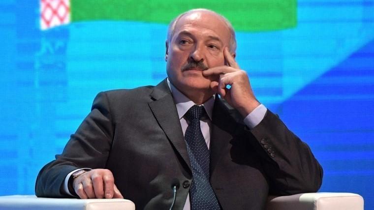 Лукашенко оконфликте вДонбассе: «Это недоразумение надо заканчивать»