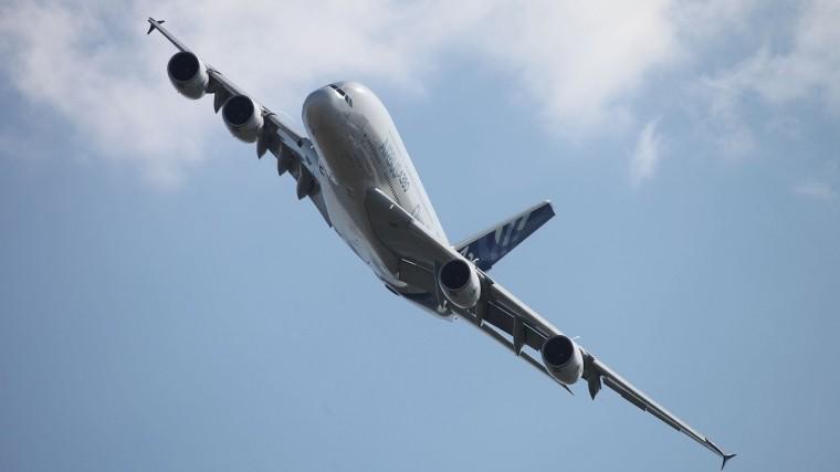 Airbus прекратит выпускать самые большие пассажирские авиалайнеры А380
