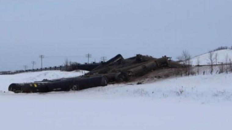 Грузовой поезд потерпел крушение вКанаде