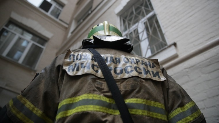 ВСаратове обрушился фасад дома— под завалами люди