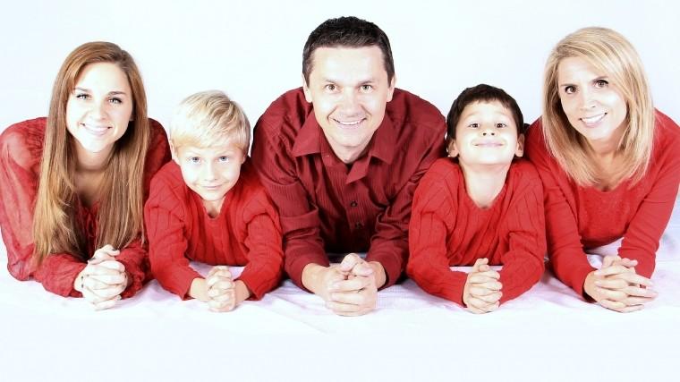 Кабмин разрабатывает законы для помощи многодетным ималообеспеченным семьям