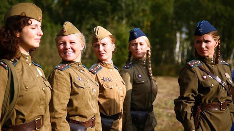 фильм где военный мучается с тремя девушками для секса
