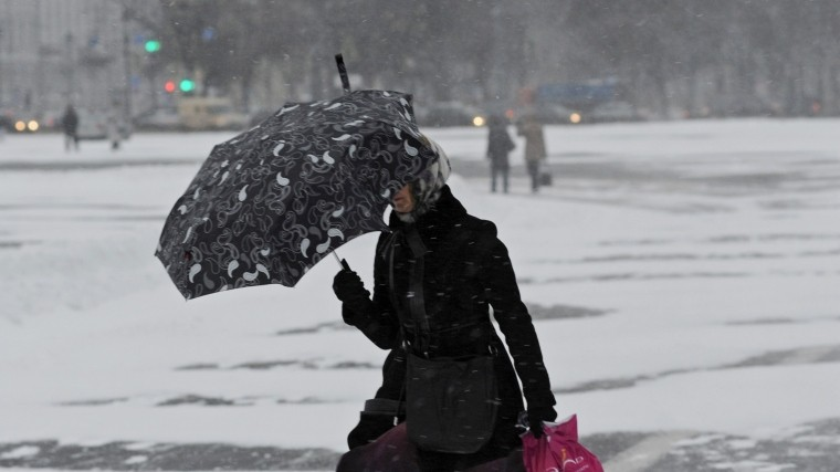 НаПетербург надвигается снег иштормовой ветер