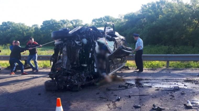 Три человека погибли вДТП сгрузовиком вКурской области— фото