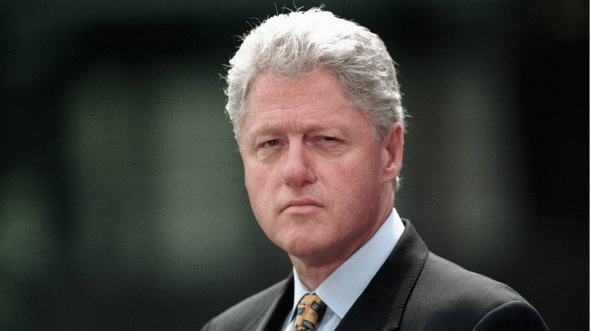 Скандальный снимок Билла Клинтона вплатье итуфлях опубликован всети— фото