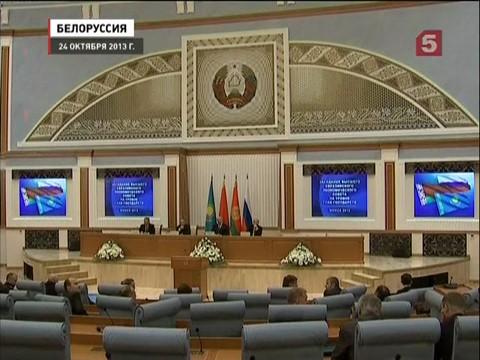 Владимир Путин участвует в саммите СНГ в Минске