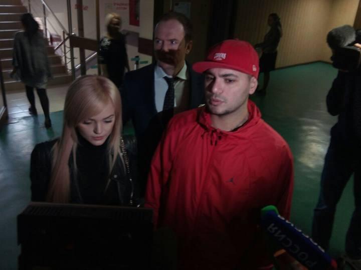 ВМоскве начался суд над рэпером Птахой