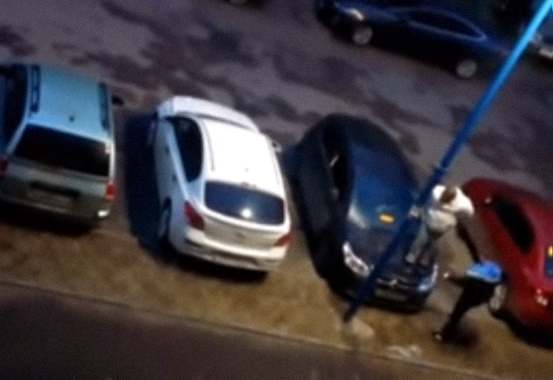 Разъяренные водители отомстили соседу запарковку ВИДЕО