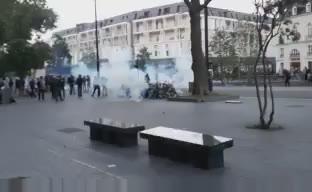 Слезоточивый газ был применен вПариже входе акций протеста