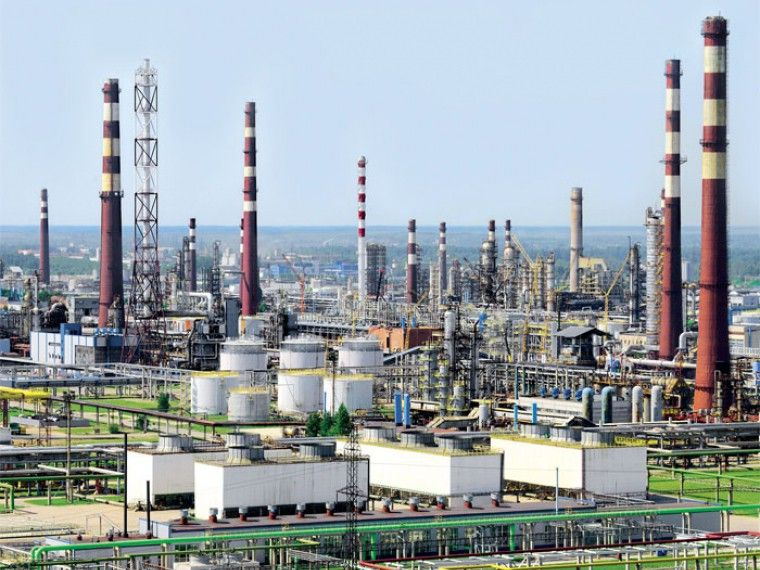 Третий человек погиб врезультате аварии нанефтеперерабатывающем заводе вКиришах