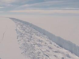 Айсберг размером сдве Москвы отколется вближайшие дни вАнтарктиде