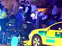 Тереза Мэй заявила, что наезд автофургона напешеходов умечети вЛондоне будет расследоваться как теракт