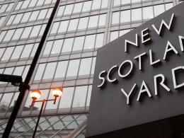 Скотланд-Ярд ищет «Шерлока Холмса», способного разгадать тайну отрезанного семь лет назад пальца