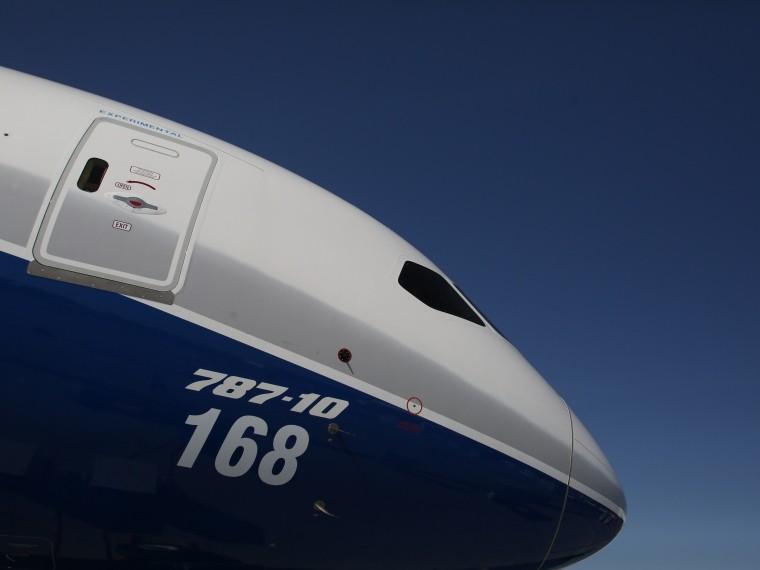 Boeing авиакомпании Air India совершил экстренную посадку вТегеране