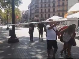 Вцентре Барселоны перекрыли площадь— специалисты ищут бомбу