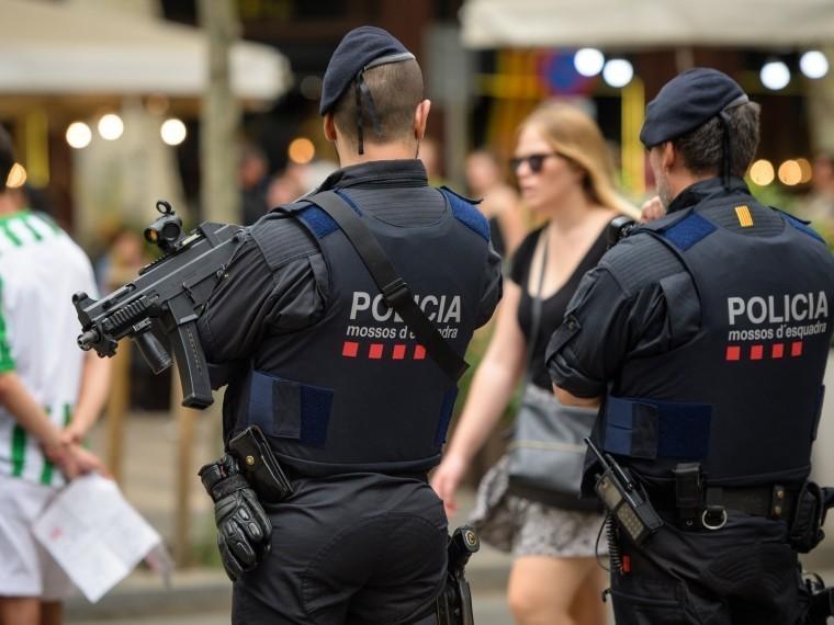 СМИ: ликвидированный вСубиратсе мужчина споясом смертника может быть исполнителем теракта вБарселоне