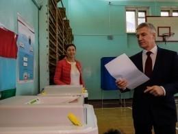 Артур Парфенчиков лидирует навыборах главы Карелии