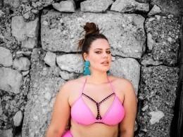 Полная хорватская модель шокировала своих поклонников фотографией без фотошопа