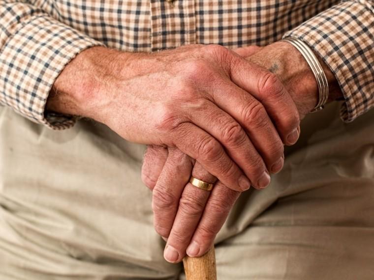 Пенсии для неработающих пенсионеров в2018повысят почти начетыре процента