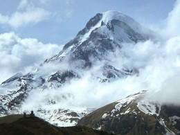 Найдены альпинисты, которые упали впропасть вгорах Северной Осетии