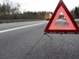 Автобус идва легковых автомобиля столкнулись натрассе вУльяновской области— погибли двое