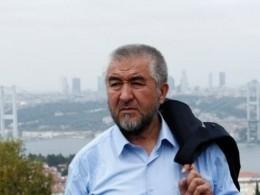 Известный узбекский писатель задержан ваэропорту