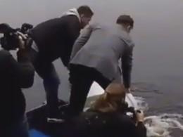 Экс-нападающий «Зенита» Александр Кержаков отправил вовзрослуюжизньтысячи мальков лосося
