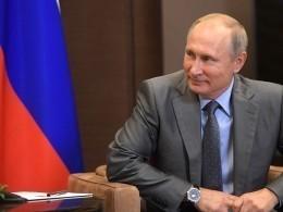 Президент Хорватии пригласила Путина вгости
