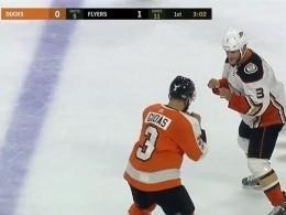 Хоккеисты устроили боксёрский поединок наматче чемпионата НХЛ