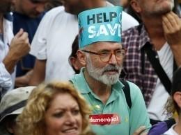 ВБарселоне прошла демонстрация против отделения Каталонии отИспании