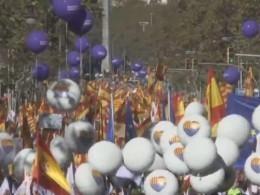 Жители Барселоны вышли намарш против независимой Каталонии