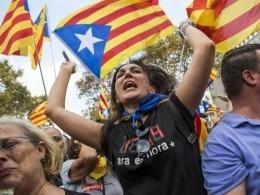 Полтора миллиона человек вышли вБарселоне намитинг заединство Испании