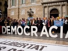 Каталония продолжает бунтовать, теперь— вподдержку арестованных