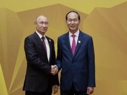 Владимир Путин прибыл навстречу лидеров стран АТЭС воВьетнаме